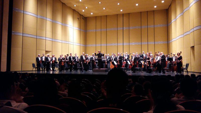 Robertas Šervenikas dirigavo Šanchajaus Didžiojo teatro scenoje