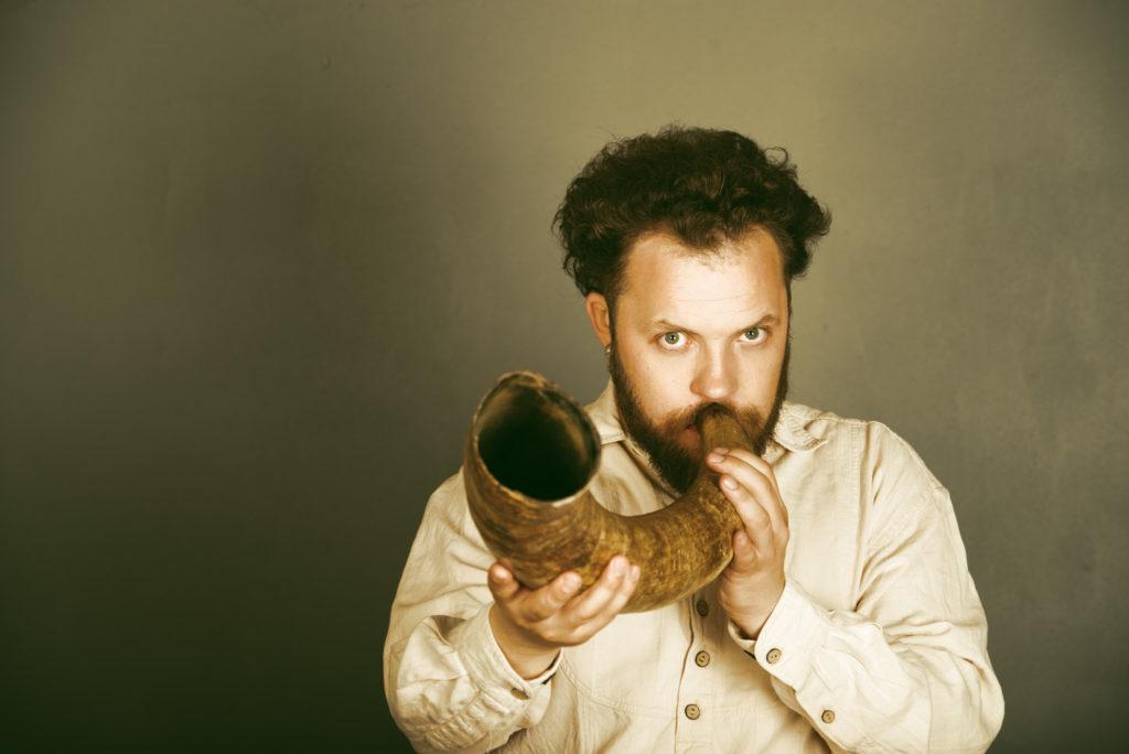 Senieji lietuvių instrumentai lapkritį skambės įspūdingose Jungtinės Karalystės koncertų salėse