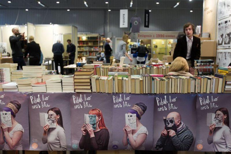 Užsienio svečiai: nuo populiarių romanų autorių iki pripažintų mokslininkų