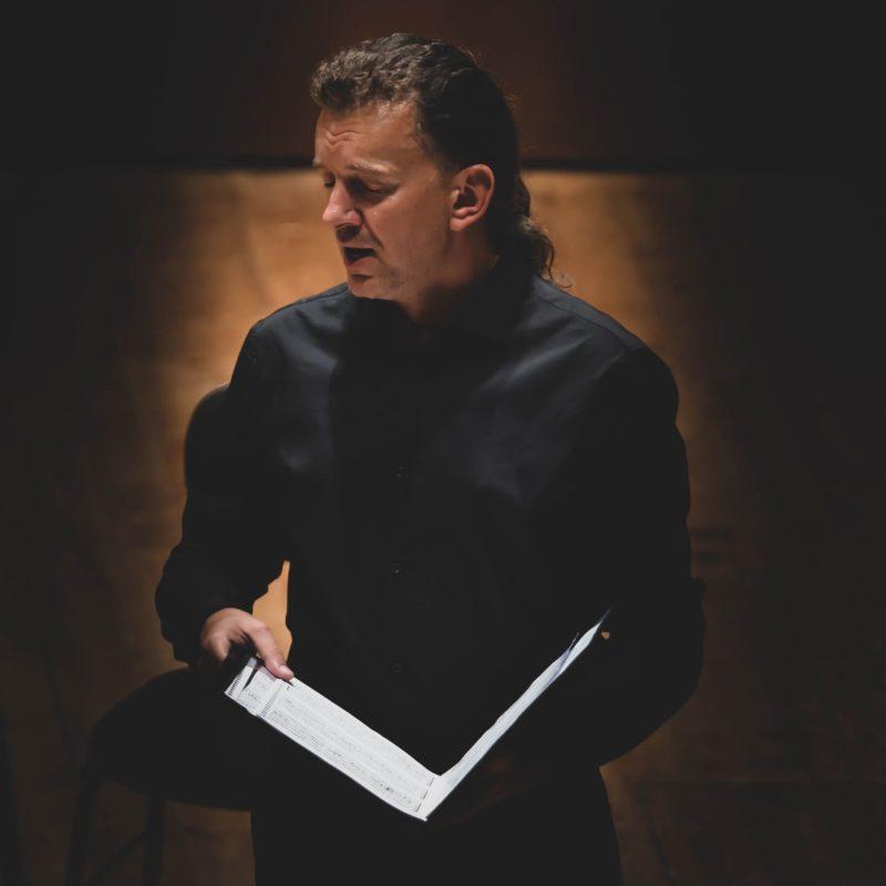 Lietuvis solistas sužavėjo Izraelio publiką dainuodamas hebrajiškai