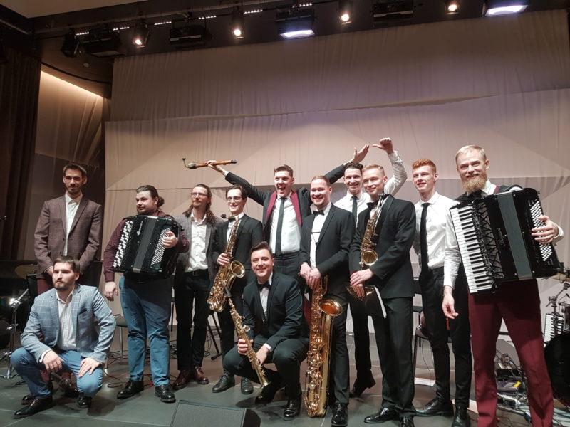 """""""Subtilu-Z"""" koncertas Maskvoje vainikavo grupės turą po Rusiją"""