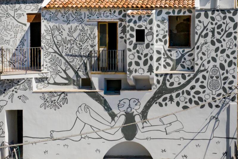Eglės Narbutaitės freska ant Sicilijos miestelio sienos sujungė dvi kultūras