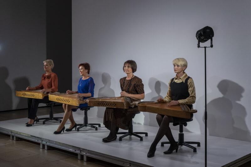 Didžiausio Miuncheno šiuolaikinio meno muziejaus sezoną atidarė lietuvių kanklininkės