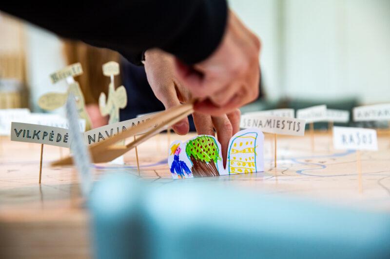 Atviras kvietimas siūlyti idėjas Vilniaus knygų mugės 2022 Jaunųjų skaitytojų salės kūrybinėms dirbtuvėms