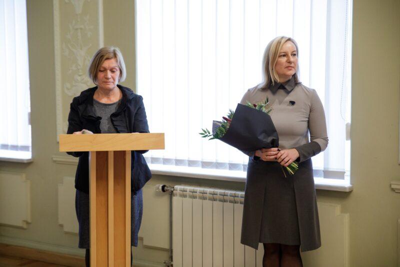 Vertėją sveikina Rūta Mėlynė ir Aušrinė Žilinskienė