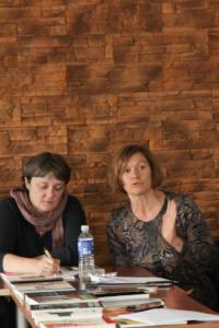067 Vertėjų seminaras Kėdainiuose literatūros vertėja Marija Čepaitytė ir LKI projektų koordinatorė Rūta Mėlynė