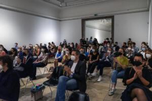 """Linos Lapelytės performansų programa Miunchene, muziejuje """"Haus der Kunst"""", 2021-09-09. Katarinos Sopčić fotografija."""