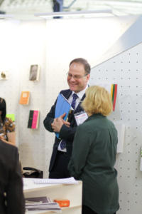 LT stenda aplanke ES Literaturos premijos komisijos pirmininkas